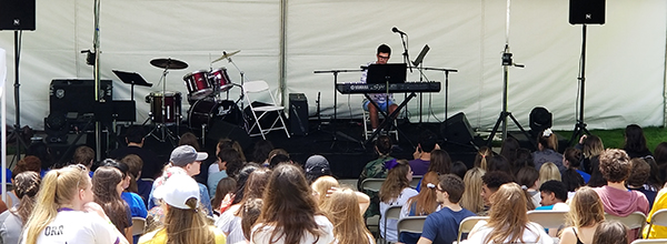Alex R. Performing live at the 2018 ISAS Arts Festival